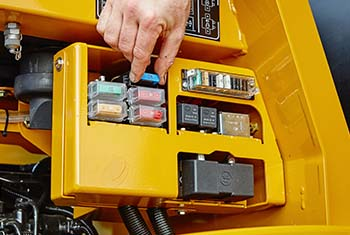 Hydrema 922F-Series dump truck service view over fuses